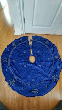 "44"" velvet/beaded/sequined tree skirt 537 km"