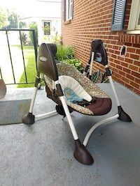 baby's white and black swing chair Waynesville, 28786