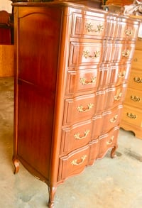 7 Drawer Solid Wood Antique Dresser Chest