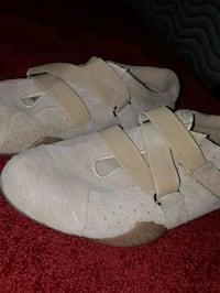 pair of beige slip on strap shoes  Calgary, T1Y