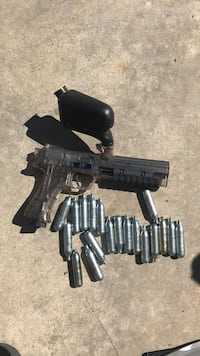 Paint ball gun with Co2 bottles  Prescott Valley, 86314