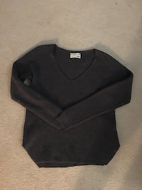 Aritzia Wilfred wolter sweater size M North Vancouver, V7L 2X5