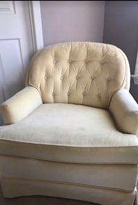 tufted white leather sofa chair Potomac, 20854