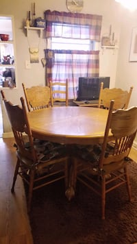 Oak Engraved Antique Table and Chairs with Leaf(leaf not in photo)