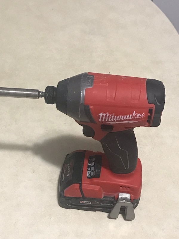 Used Black And Red Milwaukee Cordless Impact Wrench For In Nueva York Letgo