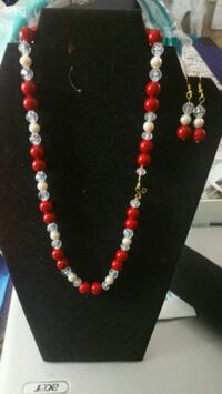 Sale! Necklace and matching earrings. Vancouver, V5S 1J8