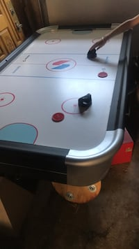 White and red air hockey table Toronto, M1E 4L2