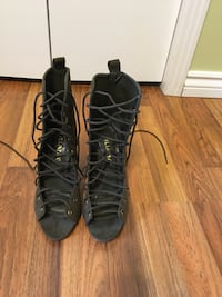 New lace up booties size 7 3161 km