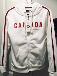 Brand NEW CANADA Hoodie With Tags only 35$!!! 3128 km