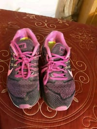 pair of pink-and-black running shoes San Angelo, 76903