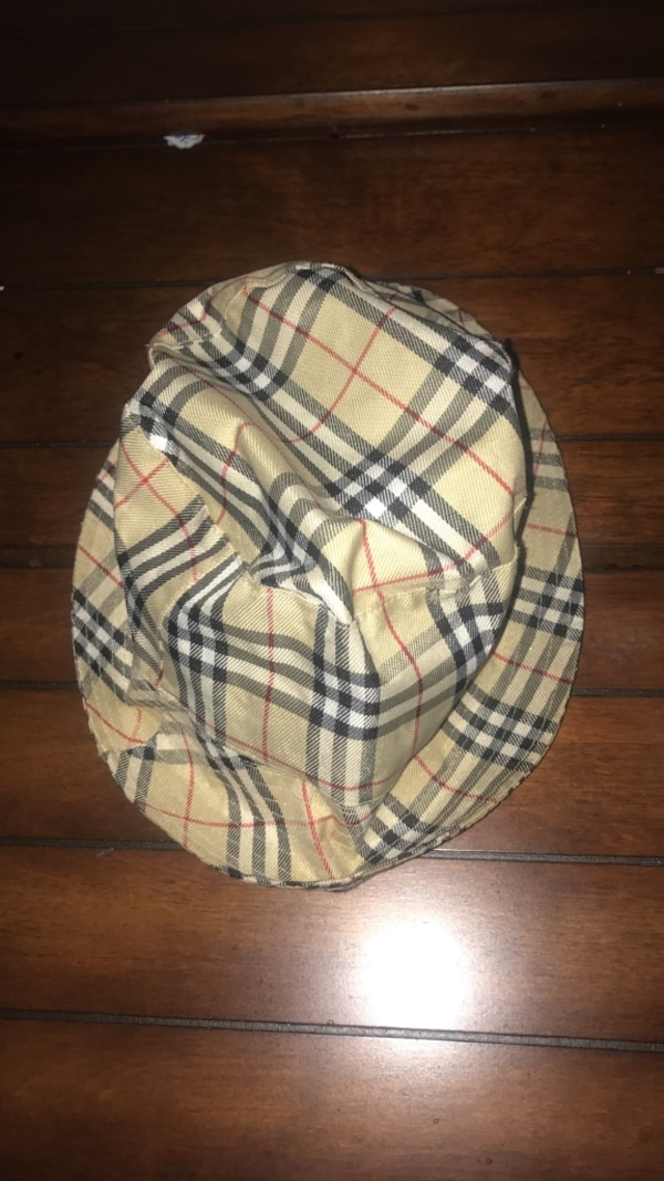 Used Burberry London bucket hat for sale in Rodeo - letgo d9609b2723c