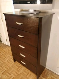 Nice big chest dresser in good condition, all drawers working well, do Annandale, 22003