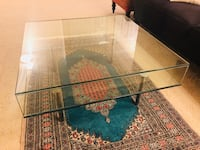 Glass coffee table like newe Alexandria, 22304