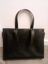 Classic stylish leather business purse Surrey, V3T 1H9