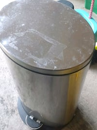 Garbage can silver