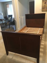 Twin Bed Book Case Vaughan, L4J 7G3