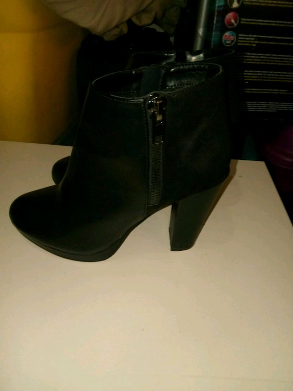 Size 7 womans boots