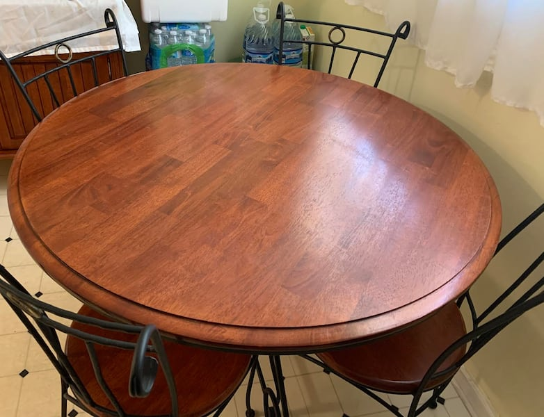 (SET/OBO) Beautiful Wood & Iron Cabinet Kitchen Hutch / Dining Table with 4 Chairs (Accepting Offers, Adjustable Bottom Shelves) ef38c042-f7b4-48dd-878f-b726be0762a2