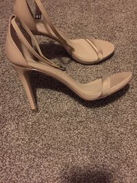 Pair of beige clear strapped leather open toe heels Comstock Park, 49321