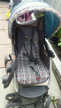 baby's black and blue car seat carrier