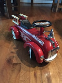 Red and black ride-on toy fire truck  Keedysville, 21756