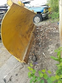 yellow plow blad 374 mi