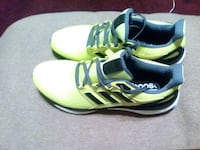 pair of green New Balance sneakers Omaha, 68111
