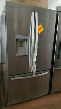 WHIRLPOOL STAINLESS STEEL FRENCH DOOR REFRIGERATOR Long Beach, 90815