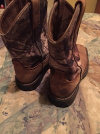 pair of black leather cowboy boots Weslaco, 78599