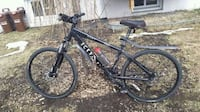 black and red hardtail mountain bike Montréal, H1M 2M2