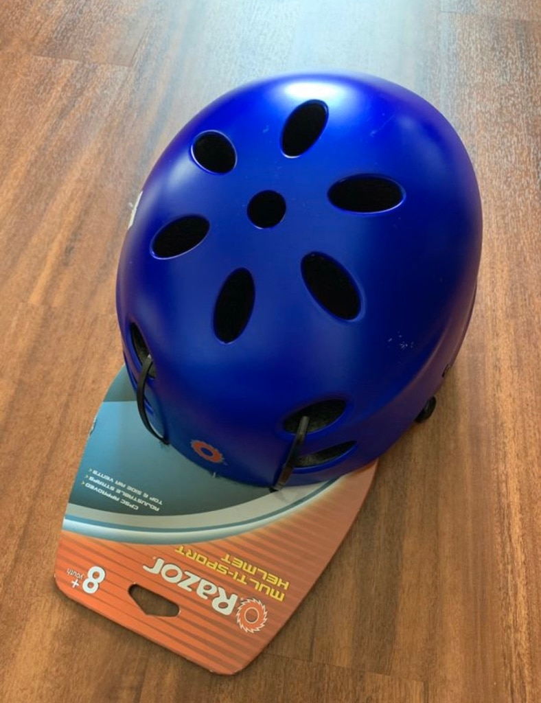 Photo Razor multi sport helmet kid size 8+ (I have one used black color