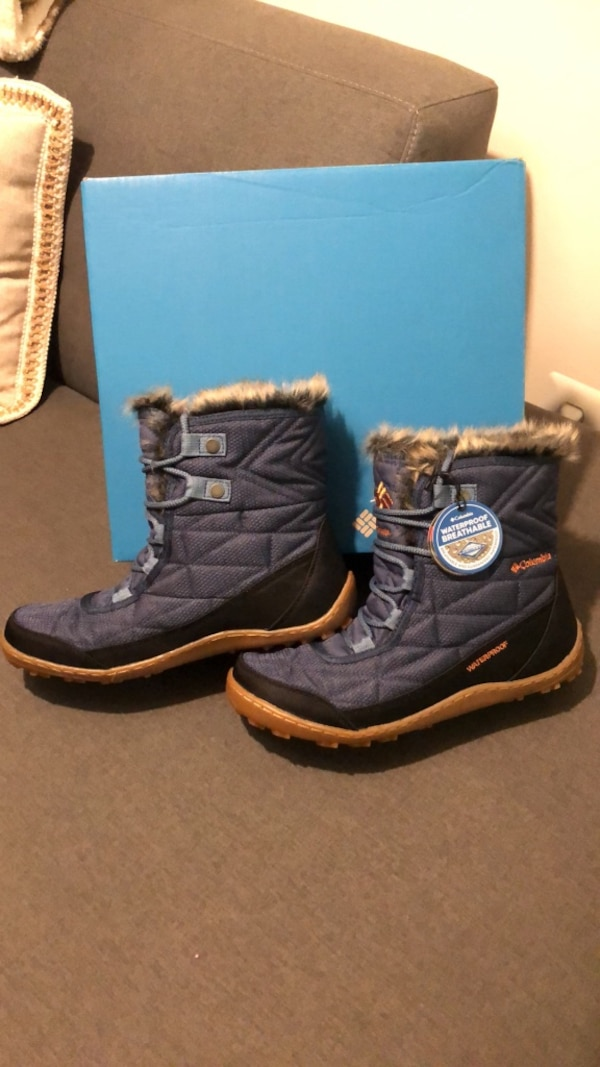 Columbia women's boots size 9