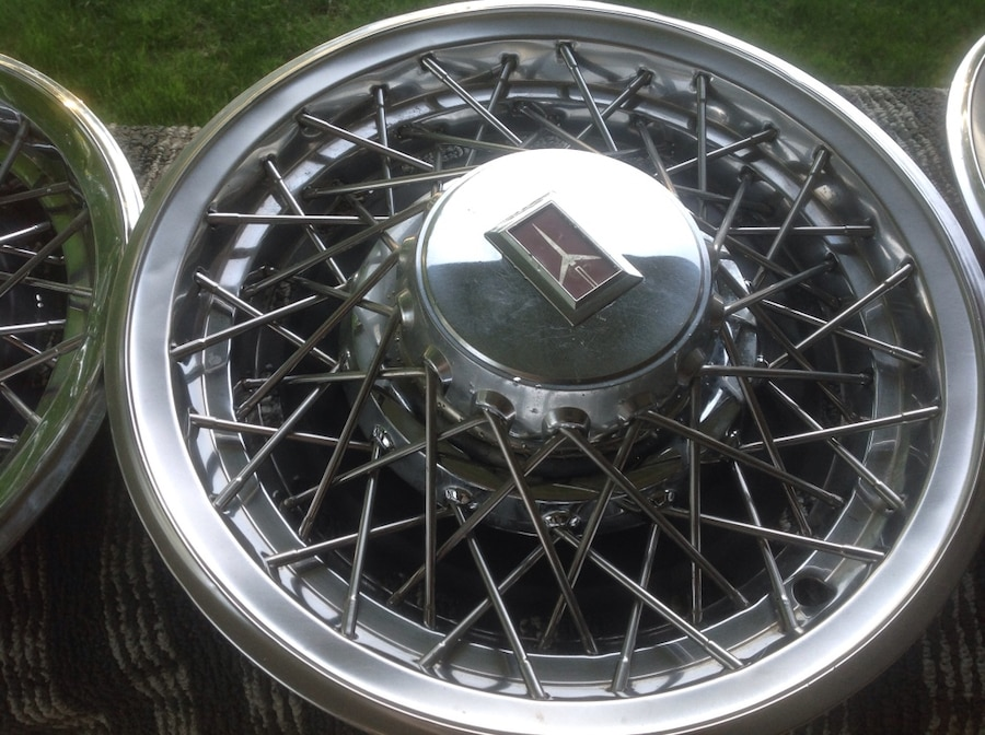 Photo Wire wheels from a Oldsmobile