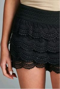 Lace shorts Size medium  Laval, H7V 1J7