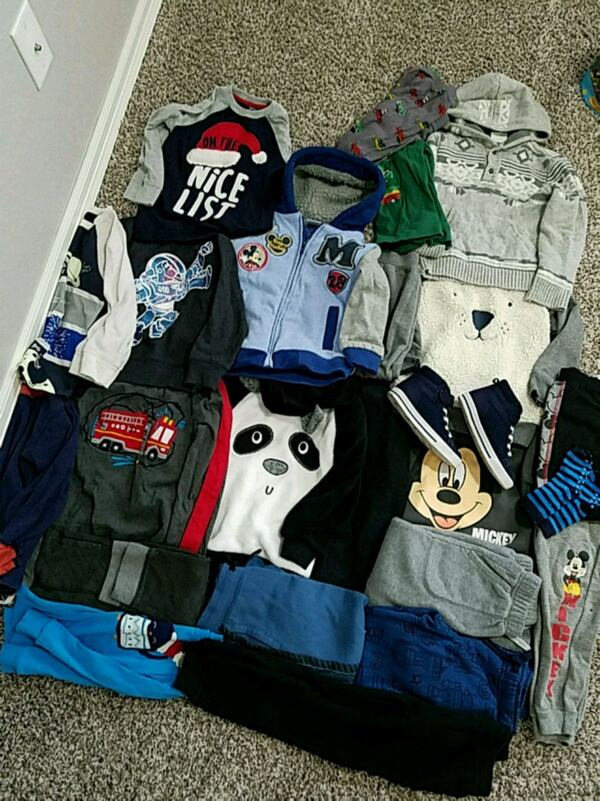 Boy clothing, size 4t. Fall/winter 986e1dc2-3da7-495a-a265-5dddb86003e7