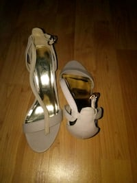 pair of white leather open toe ankle strap heels Waldorf, 20603