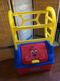 Clifford Toy Box $15 Firm El Paso, 79905
