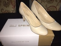 Pair of nude pumps size 6.5 Laval, H7P 5X1