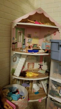 Dollhouse  Rock Island, 61201