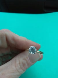 silver-colored ring with clear gemstones Kingsport, 37663
