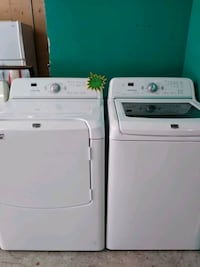 white clothes washer and dryer set 894 mi