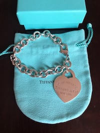 "Tiffany and Co. ""Please Return to Tiffany & Co New York"" XL heart charm bracelet  Mississauga, L5C 3T5"