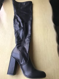 pair of black leather knee-high boots Fairfield, 94533