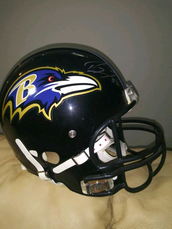 Ray Lewis Signed. Ravens Ridell hekmet. 6794fd10-65e5-4173-851c-6caab9177354