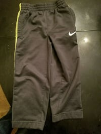 Gray and green Nike sweat pants Shaker Heights, 44122