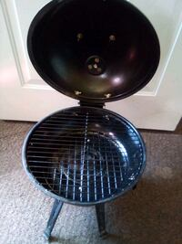 Table Top Charcoal Grill Good Condition$13.00 Omaha, 68111