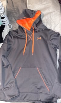 Woman's grey and orange under armour sweater  Toronto, M1B 1A4
