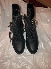 pair of black leather boots Fairfax, 22031