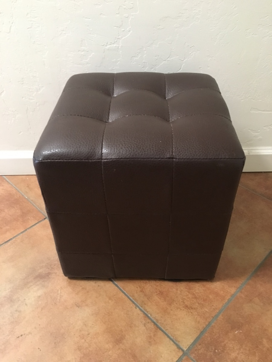 used square dark brown leather tufted ottoman in tucson. Black Bedroom Furniture Sets. Home Design Ideas