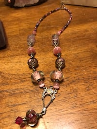 Pretty!!! Silver necklace with pink stones & Beautiful Detailing Gainesville, 20155